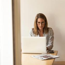 woman on laptop2